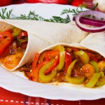 Recetas vegetarianas III: tacos picantes light con piña y pimientos