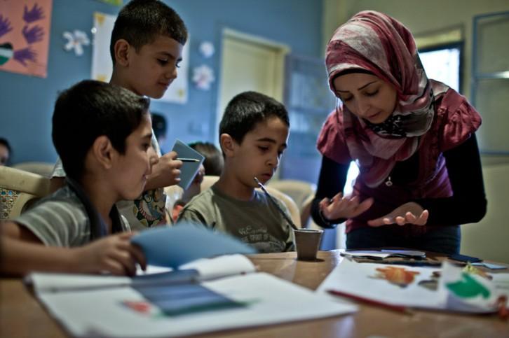 derechos-humanos-escuela-refugiados