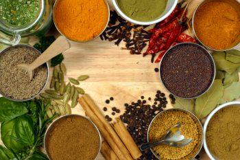 Llena la cocina de productos solidarios para luchar contra la pobreza