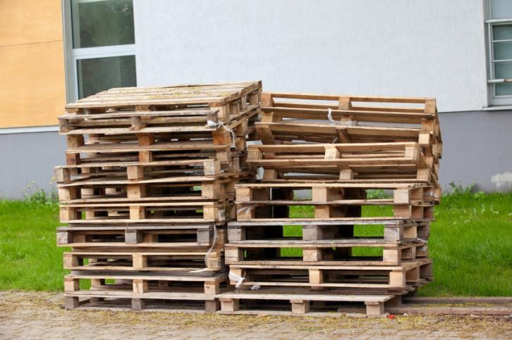Ap ntate a tener muebles hechos con palets en tu terraza - Muebles de jardin de palets ...