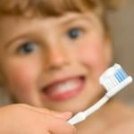 Higiene infantil: ¿cómo conseguir que se laven los dientes?