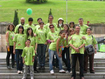 © Eulalia Cuyás/ Oxfam Intermón   (Grupo de voluntarios que participaron de la fiesta de la solidaridad 2009 en Lleida)