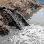 ¿Cuáles son las principales causas de la contaminación del agua?