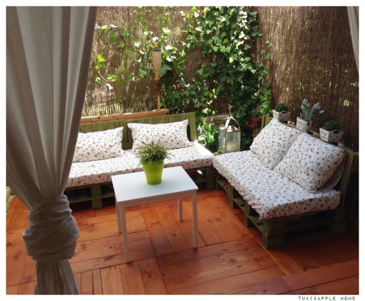 """construir-zona-chill-out-con-palets-en-jardin"""