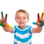 Impulsa la creatividad con juegos de manualidades para niños y niñas