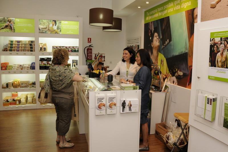 """""""voluntariado-oxfam-madrid-tienda-solidaria"""""""